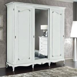 Bílá šatní skříň