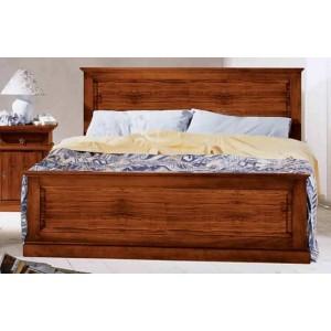 Masivní dřevěná postel