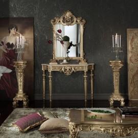 Zlatý konzolový stolek