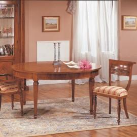Oválný jídelní stůl s intarzií
