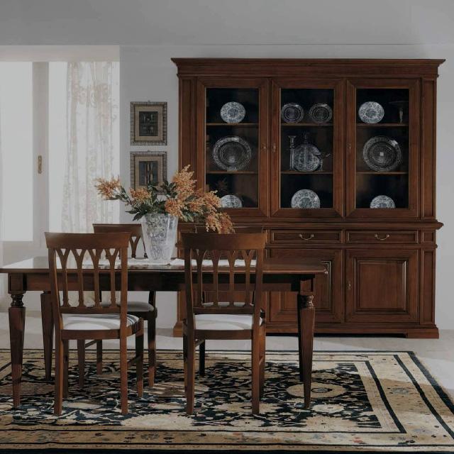 Italský rustikální nábytek ve vysoké kvalitě.
